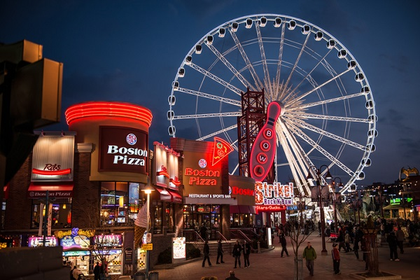 Clifton Hill is a great place to enjoy fun attractions such as haunted houses and a Ferris wheel